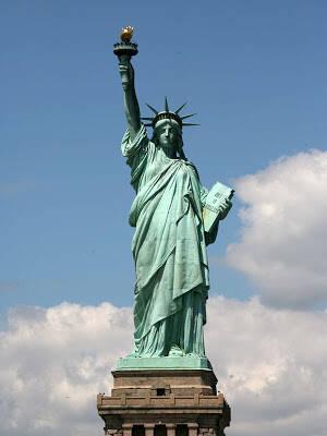 Όταν ο Φωτοφόρος Απόλλωνας – Ηλίου έγινε το Άγαλμα της Ελευθερίας! Άλλος ένας λαός που οφείλει το εθνικό του σύμβολο στους Έλληνες