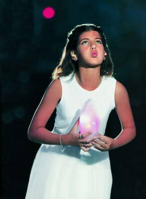 Το γλυκό κοριτσάκι που έσβησε τη φλόγα των Ολυμπιακών Αγώνων του 2004 είναι σήμερα φλογερή δεσποινίδα και φιλόδοξη επιστήμονας!