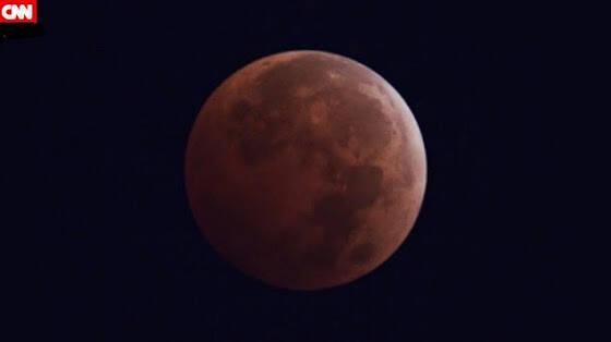 Εκπληκτικό timelapse βίντεο από το τελευταίο «ματωμένο» φεγγάρι του έτους