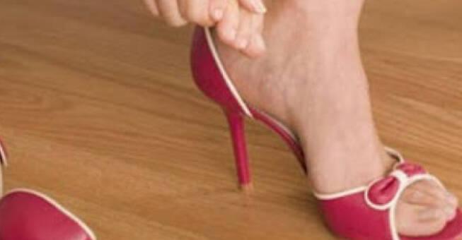 Φοβερό κόλπο για να ανοίξετε τα στενά παπούτσια