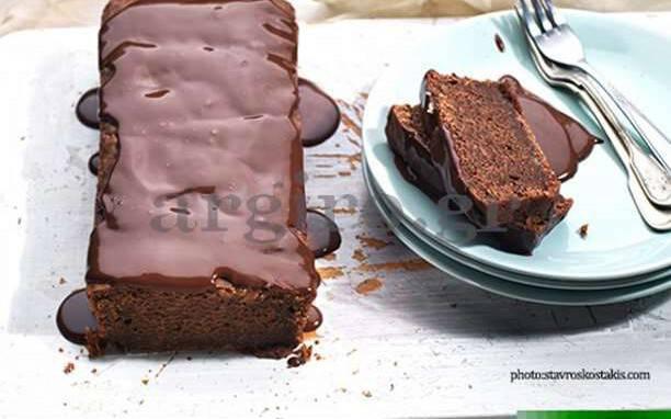 Υγιεινή Συνταγή: Κέικ χωρίς αυγά και βούτυρο