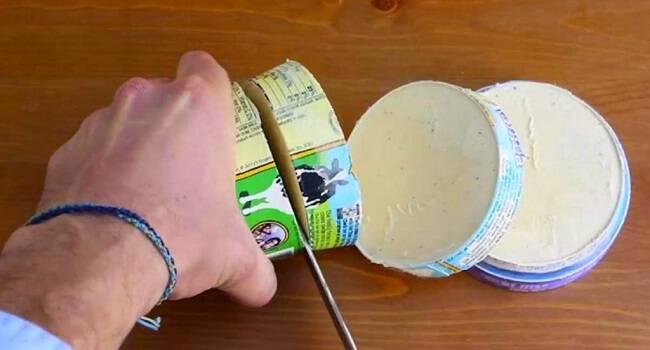 Έκοψε σε φέτες το κουτί με το παγωτό! Δείτε τον απίθανο και γευστικότατο λόγο! (BINTEO)