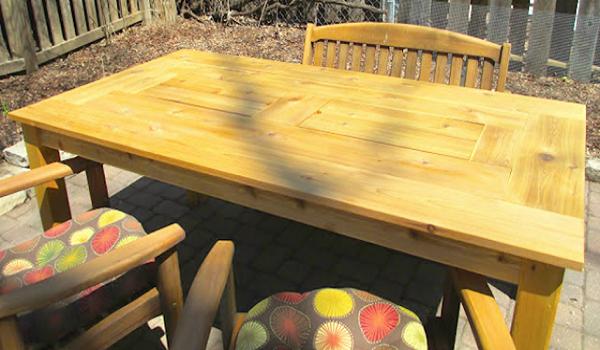 Μοιάζει με ένα κανονικό τραπέζι. Στο κέντρο του όμως κρύβει ένα  ΚΑΤΑΠΛΗΚΤΙΚΟ μυστικό… 53b1eeaf2df