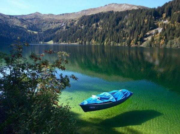 Screenshot 125 600x448 Λίμνη Flathead: Ένα μικρό θαύμα της φύσης! Δείτε γιατί μοιάζει ρηχή ενώ φτάνει τα 115 μέτρα βάθος!