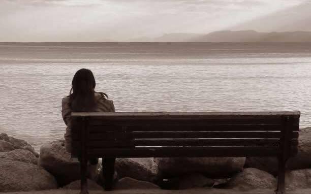 10 ερωτήσεις που αξίζει να κάνετε στον εαυτό σας όταν νιώθετε πεσμένοι ψυχολογικά