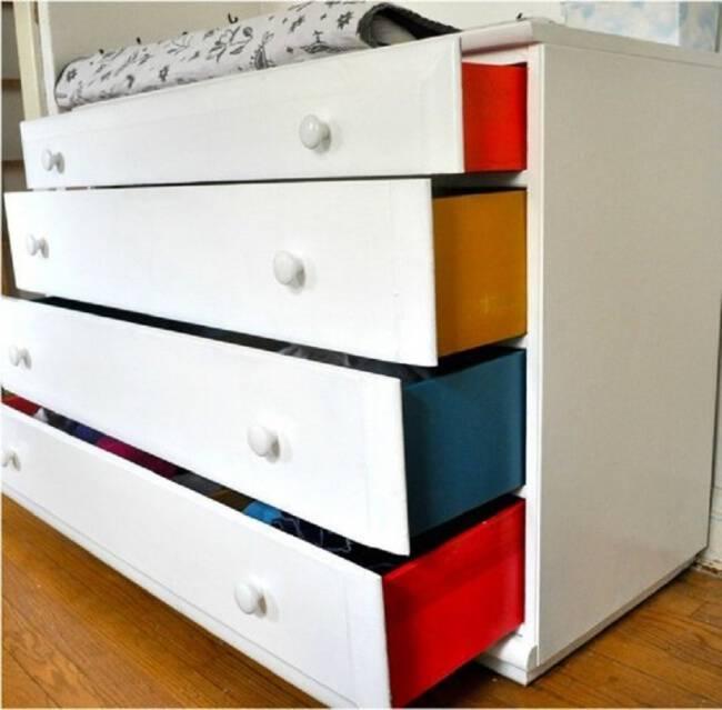 655-R3L8T8D-650-8-Paint-sides-of-a-dresser
