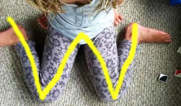 Εάν δείτε τα Παιδιά σας να Κάθονται Έτσι, Σταματήστε τα ΑΜΕΣΩΣ. Ο λόγος; Δεν πάει το μυαλό σας…