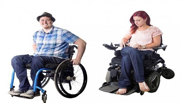Η παραπληγική Σχεδιάστρια που δημιουργεί Τζιν ειδικά για χρήστες Αναπηρικής Καρέκλας