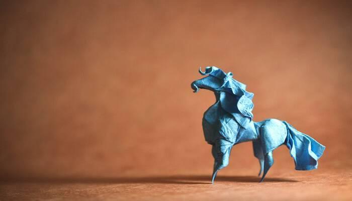 Φανταστικό! Καλλιτέχνης μετατρέπει χαρτί σε εντυπωσιακά ζώα με την ιαπωνική τέχνη origami Οι δημιουργίες του «ζωντανεύουν» στο φακό