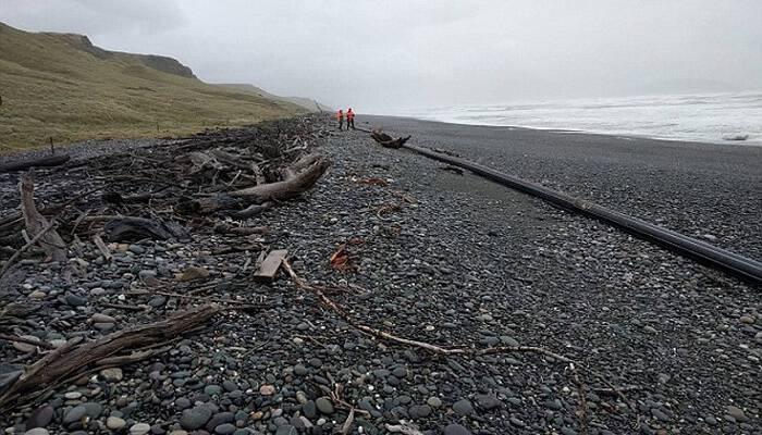 Νέο «μυστήριο» στις ακτές της Νέας Ζηλανδίας – Η θάλασσα ξέβρασε αντικείμενο μήκους εκατό μέτρων – Δείτε φωτογραφίες