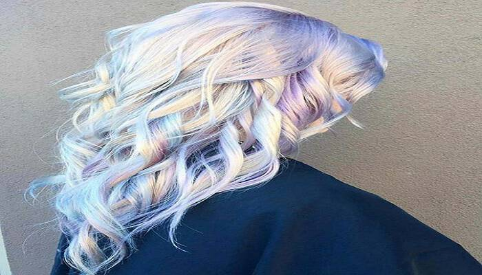 Holographic Hair: Μία από τις πιο καυτές τάσεις στα μαλλιά για το 2017