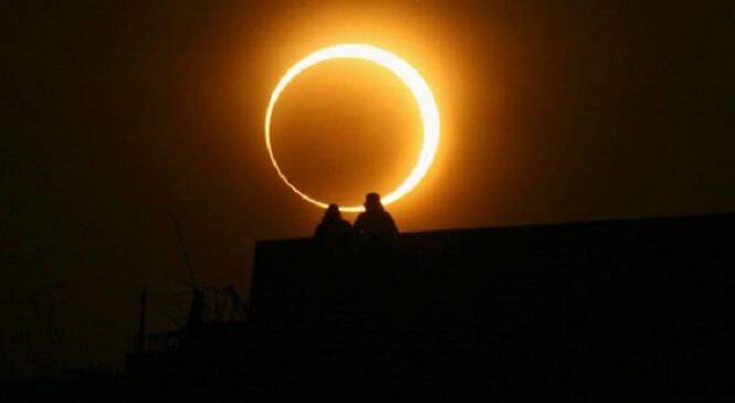 Σπάνιο και ρομαντικό το σημερινό φαινόμενο! Αυγουστιάτικη πανσέληνος και μερική έκλειψη Σελήνης