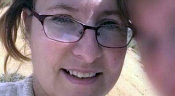Μητέρα ανακοινώνει ότι ο γιος της πέθανε από λευχαιμία. Τότε η αστυνομία κάνει έφοδο στο σπίτι της και ανακαλύπτει ΚΑΤΙ σοκαριστικό
