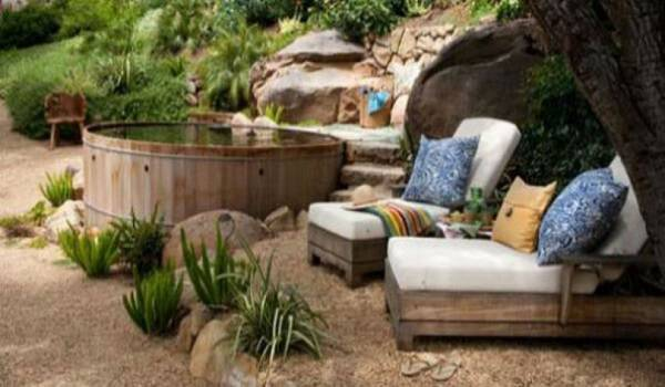 20 άνθρωποι που έφτιαξαν έναν μικρό παράδεισο στην αυλή τους