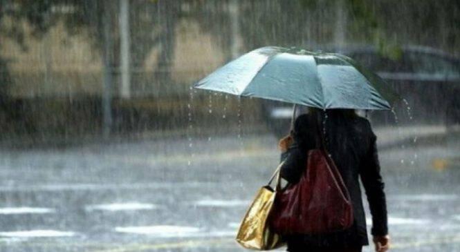 4 χτενίσματα για να παραμένει τέλειο το μαλλί σου τις βροχερές μέρες!