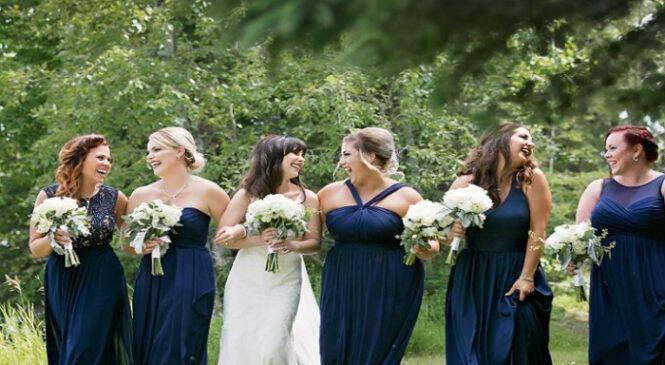 Επικό: Παράνυμφος κάνει «χαλάστρα» στις φωτογραφίες του γάμου της καλύτερης της φίλης!