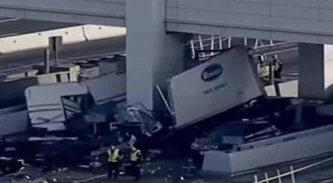 Ασύλληπτο τροχαίο: Νεκρή υπάλληλος διοδίων! Φορτηγό έπεσε πάνω στον σταθμό! (ΦΩΤΟ)