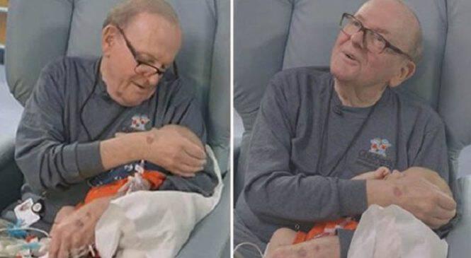Ένας υπέροχος παππούς κρατάει συντροφιά σε πρόωρα μωρά που οι γονείς τους δεν γίνεται να είναι συνέχεια μαζί τους