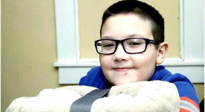 9 χρονος επιλέγει να βοηθήσει  άστεγους αντί να πάρει ένα Xbox για τα Χριστούγεννα