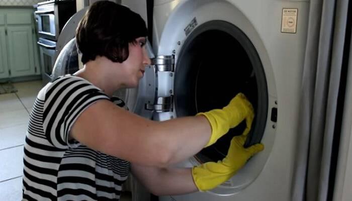 Μήπως τα Ρούχα σας μυρίζουν άσχημα κάθε φορά που τα βγάζετε από το πλυντήριο; Δεν φαντάζεστε τον λόγο!