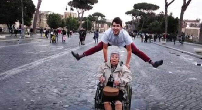 Κρητικός πραγματοποίησε το πιο τρελό όνειρο της 83χρονης γιαγιάς του και την πήγε στη Ρώμη