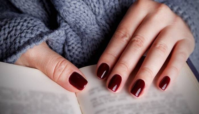 Κορίτσια δώστε βάση: Τι δείχνει για τον χαρακτήρα σας το χρώμα που επιλέγετε να βάψετε τα νύχια σας!