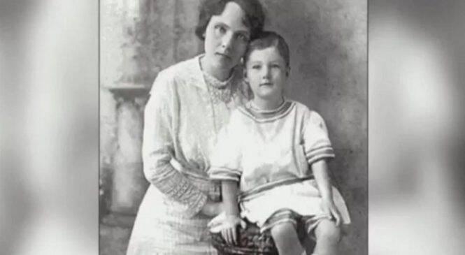 Της πήραν τον 4χρονο Γιο της και δε της τον έδωσαν ποτέ πίσω.100 Χρόνια μετά ο Εγγονός της αποκαλύπτει τη Σοκαριστική Αλήθεια!