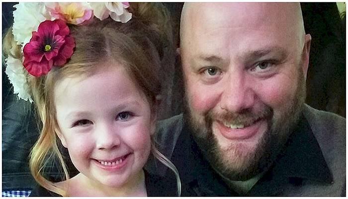 Αυτός ο Πατέρας ξεκίνησε Σχολή Κομμωτικής για να Μάθει να Χτενίζει σωστά τα Μαλλιά της Κόρης του! Υπέροχος Μπαμπάς!