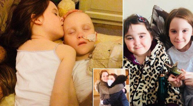 10χρονη δίνει το πιο ζεστό φιλί στη δίδυμη αδελφή της που πάσχει από λευχαιμία