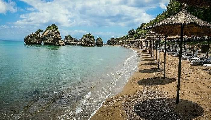 Η ελληνική παραλία που ψηφίστηκε η πιο μαγευτική του κόσμου