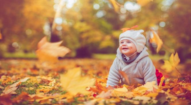 Τα μωρά του Οκτωβρίου  Πέντε κοινά χαρακτηριστικά των φθινοπωρινών μωρών c471b92c9ee