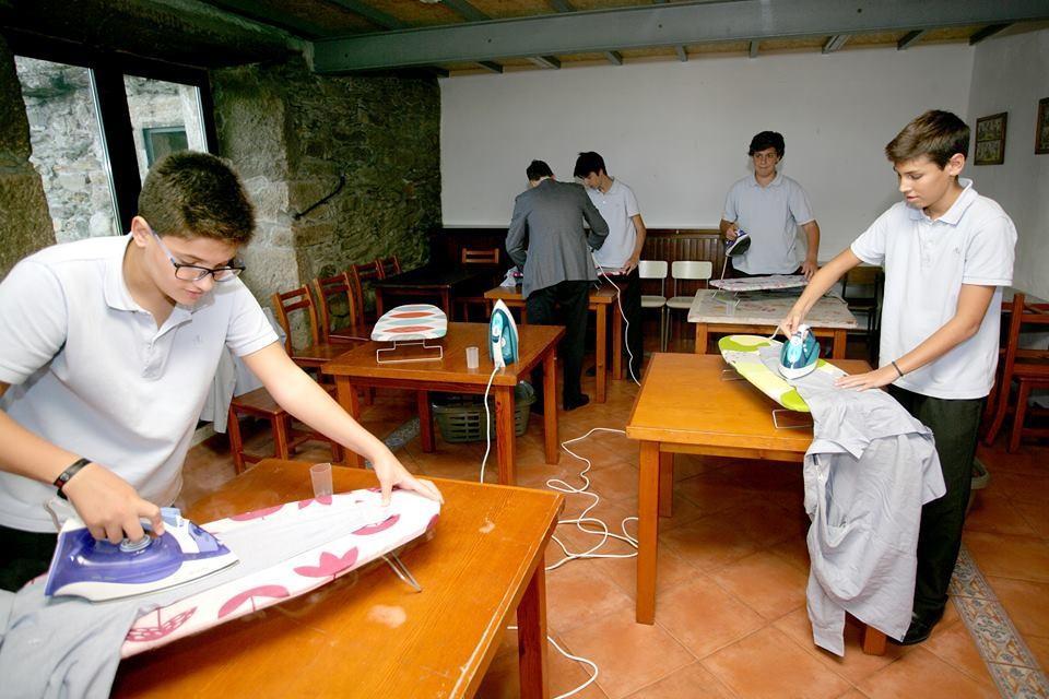 Δουλειές του σπιτιού σε σχολείο