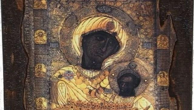 Παναγία Πορταΐτισσα: Η θαυματουργή εικόνα της Παναγίας που δεν πρέπει ποτέ να βγει έξω από το Άγιο Όρος